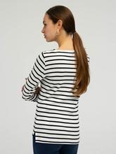 Image sur Shirt avec rayures et inscription