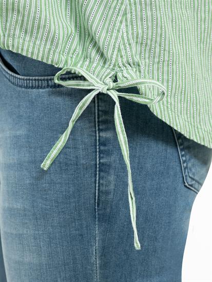 Image sur Blouse à rayures et cordon de serrage