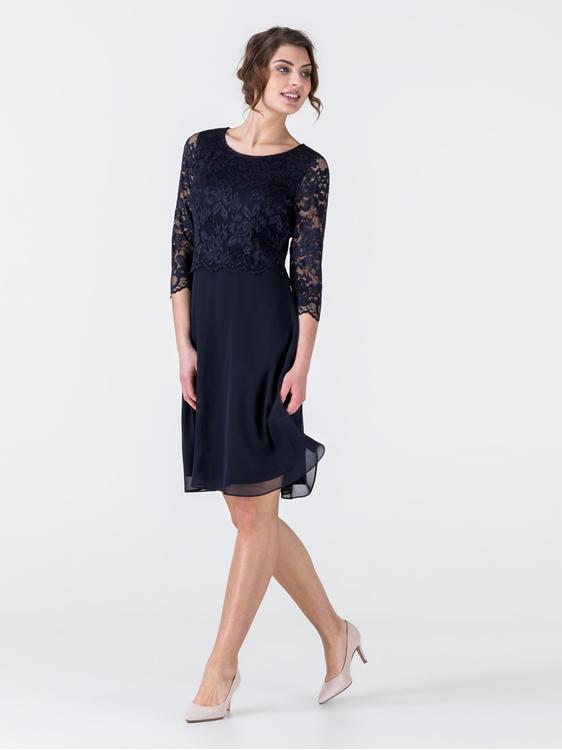 Bild von Kleid mit Spitze