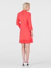 Bild von Kleid mit Plissee und Rüschen