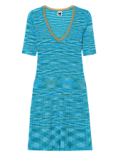 Bild von Strickkleid mit Streifen und Rippen