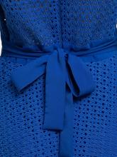 Image sur Robe en dentelle et ceinture à nouer