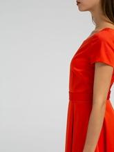 Image sur Robe avec plis creux