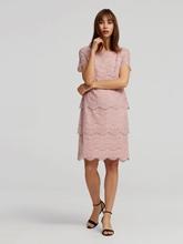 Bild von Kleid aus Spitze mit Stufen