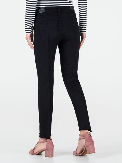 Bild von Skinny Jeans mit offenem Saum