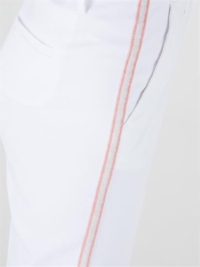 Bild von Verkürzte Chinohose mit seitlichem Streifen