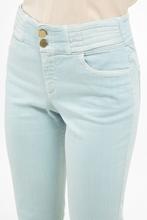 Bild von Jeans mit offenem Saum