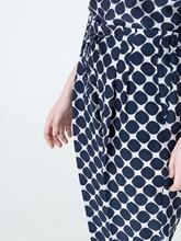 Image sur Pantalon imprimé avec plis