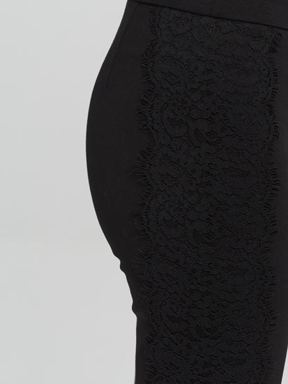 Bild von Cropped Hose mit Spitze