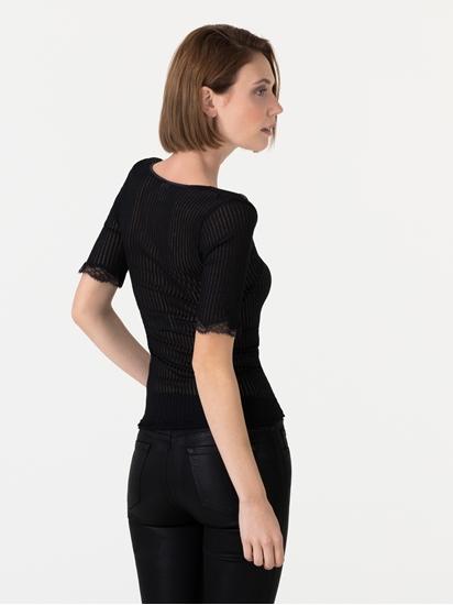 Bild von Shirt mit Rippen und Spitze