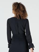 Bild von Bluse aus Seide mit Schleifen