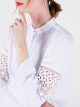 Image sur Bluse avec effet nervuré et dentelle
