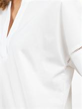 Bild von Oversized Blusenshirt mit Lochstickerei
