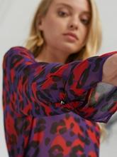 Bild von Blusenshirt mit Leo-Print KAROLINA