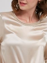 Bild von Blusenshirt mit Perlen