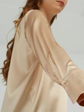 Image sur Bluse mit Print aus Seide