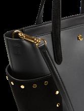 Bild von Handtasche mit Nieten