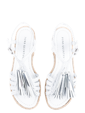 Bild von Sandaletten mit Quasten