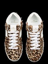 Bild von Sneakers mit Leo-Print